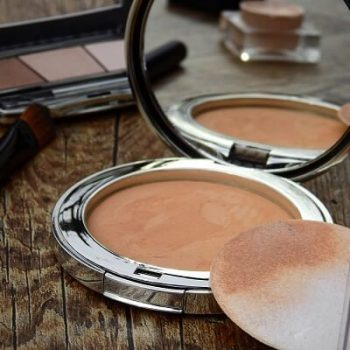 Best Drugstore Powder Foundation Reviews [2019]