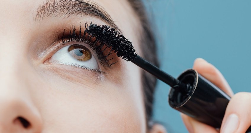 best mascara for straight lashes