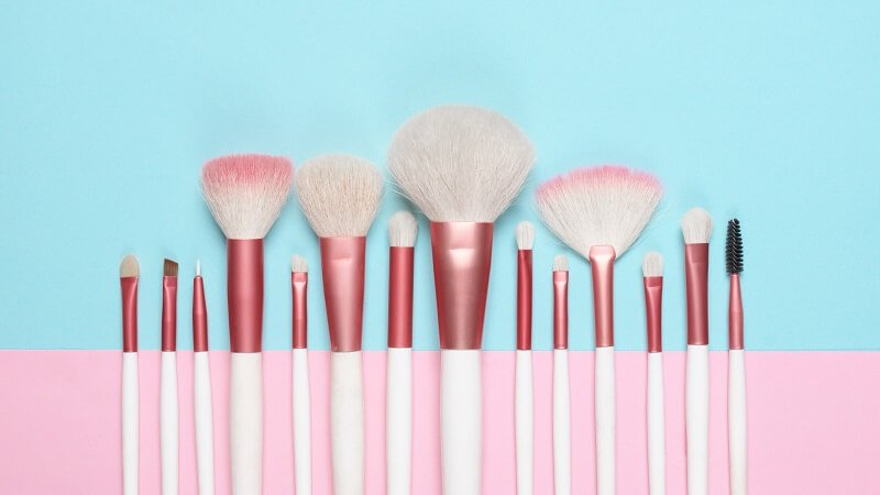 how to clean a foundation brush